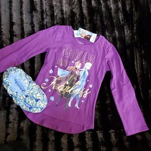🆕️❄ DISNEY FROZEN 2 L/S SHIRT AND SLIPPER BUNDLE